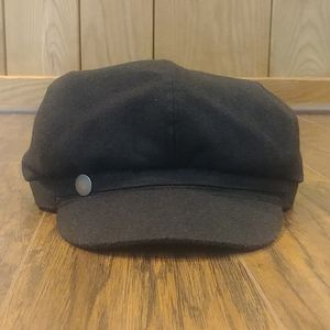 EUC Black Newsboy Six Panel Applejack Cap Hat